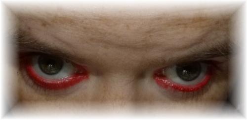 Rote Augen Halloween