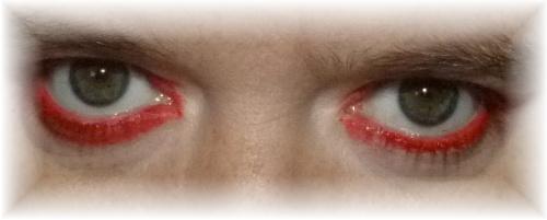 Rote Augen,  Bedrohlich