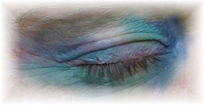 Grüne Farbe Blaue Augen
